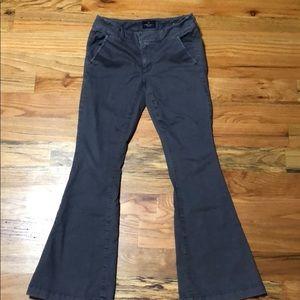 American Eagle sz 2 short BOHO artist gray  pants